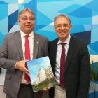 Acadêmico Marco Lucchesi visita Instituto Benjamin Constant